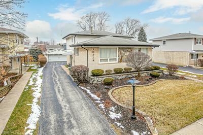 10724 S KOLMAR AVE, Oak Lawn, IL 60453 - Photo 1