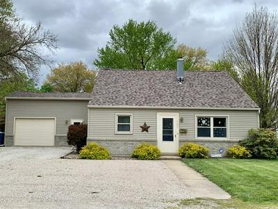703 E MCKINLEY ST, Pontiac, IL 61764 - Photo 1
