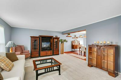 1004 EVERGREEN DR, Carol Stream, IL 60188 - Photo 2