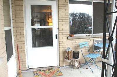715 BUSSE HWY APT A4, Park Ridge, IL 60068 - Photo 2