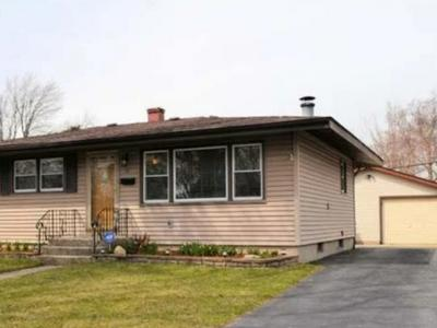 14 BLACKHAWK DR, Thornton, IL 60476 - Photo 1