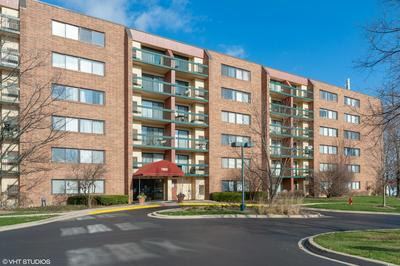 1800 HUNTINGTON BLVD APT 201, Hoffman Estates, IL 60169 - Photo 1