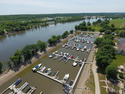 100 HILLSMAN LN, Seneca, IL 61360 - Photo 2
