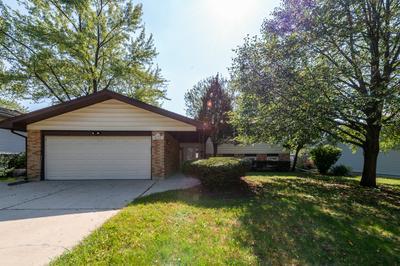 435 W NEWPORT RD, Hoffman Estates, IL 60169 - Photo 1