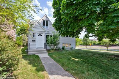 1 ARTHUR AVE, Clarendon Hills, IL 60514 - Photo 1
