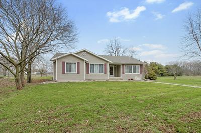405 E YATES ST, NEWMAN, IL 61942 - Photo 2