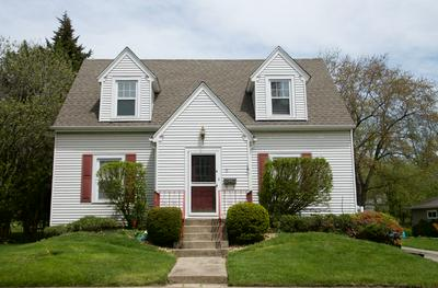 11 LINCOLN AVE, East Dundee, IL 60118 - Photo 2