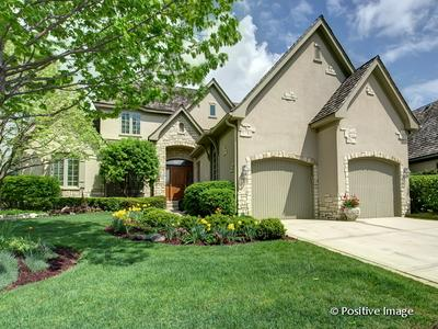 11 FOREST GATE CIR, Oak Brook, IL 60523 - Photo 1