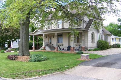 410 N 7TH ST, Fairbury, IL 61739 - Photo 1