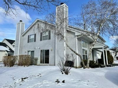 579 EAST AVE, Streamwood, IL 60107 - Photo 2