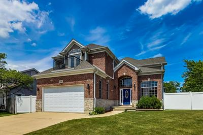 1001 WILLOWBROOK DR, Wheeling, IL 60090 - Photo 1