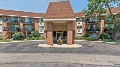 1188 ROYAL GLEN DR APT 126, Glen Ellyn, IL 60137 - Photo 1