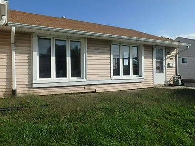 4150 W 90TH PL, HOMETOWN, IL 60456 - Photo 1