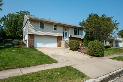 320 HICKORY AVE, Romeoville, IL 60446 - Photo 2