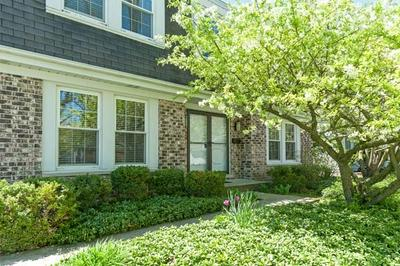 1137 COUNTRY LN, Deerfield, IL 60015 - Photo 2
