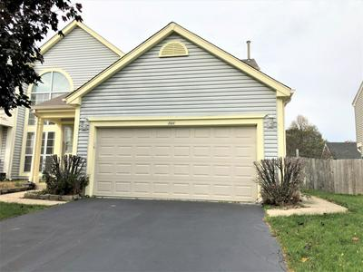166 HORIZON CIR, Carol Stream, IL 60188 - Photo 2