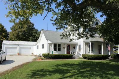 111 N WOODWORTH RD, Milford, IL 60953 - Photo 1