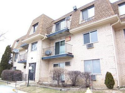 280 SHOREWOOD DR APT 2D, Glendale Heights, IL 60139 - Photo 1