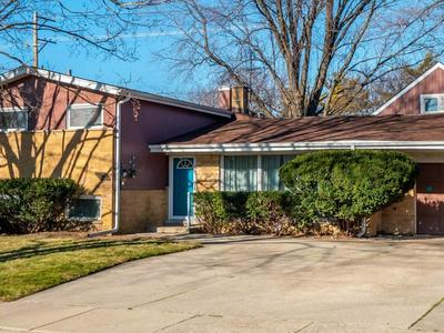 1402 W BUSSE AVE, Mount Prospect, IL 60056 - Photo 2