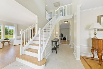 14334 SPRING MEADOW CT, Libertyville, IL 60048 - Photo 2