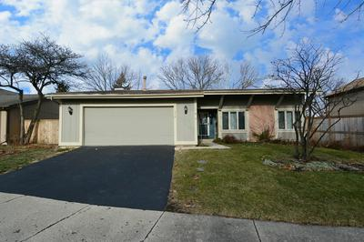 542 BRYCE TRL, Roselle, IL 60172 - Photo 2