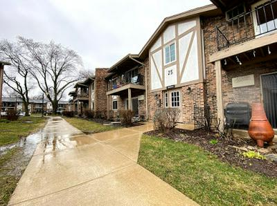 9S070 FRONTAGE RD # 202, WILLOWBROOK, IL 60527 - Photo 2