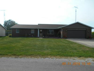 606 N COFFIN ST, NEWMAN, IL 61942 - Photo 1