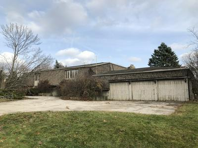 7116 INVERWAY DR, VILLAGE OF LAKEWOOD, IL 60014 - Photo 1
