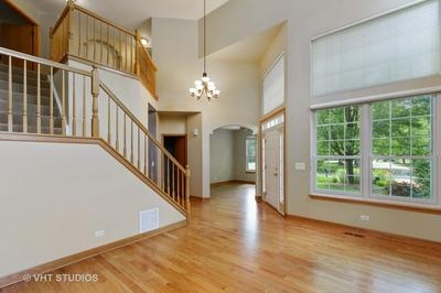 1827 S WAXWING LN, Libertyville, IL 60048 - Photo 2