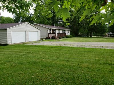 4610 CIRCLE DR, Heyworth, IL 61745 - Photo 2