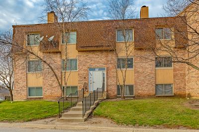 152 S WATERS EDGE DR APT A, Glendale Heights, IL 60139 - Photo 1