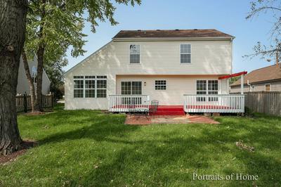 1654 GLENEAGLE DR, Carpentersville, IL 60110 - Photo 2