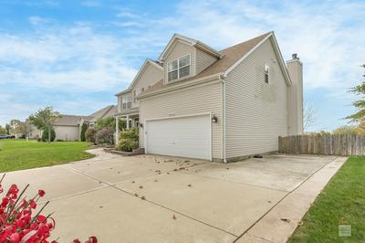 2221 IROQUOIS LN, Yorkville, IL 60560 - Photo 2