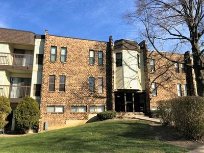 2151 COUNTRY CLUB DR APT 14A, Woodridge, IL 60517 - Photo 2