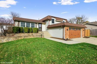 1054 WARWICK CIR N, Hoffman Estates, IL 60169 - Photo 1