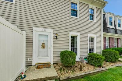 1355 THAMES TER, Roselle, IL 60172 - Photo 2