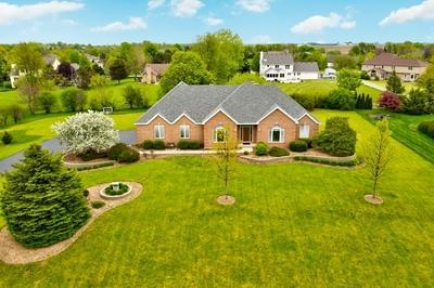 6914 TALL GRASS CT, Spring Grove, IL 60081 - Photo 2