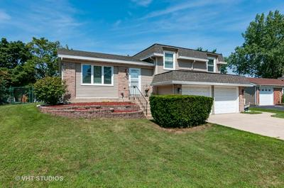 146 W WRIGHTWOOD AVE, Glendale Heights, IL 60139 - Photo 2