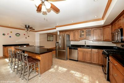 8543 S KEAN AVE, Hickory Hills, IL 60457 - Photo 2