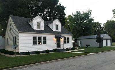 307 W GREEN ST, NEWMAN, IL 61942 - Photo 1