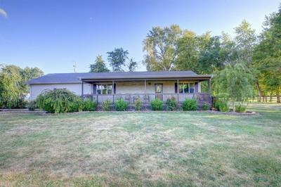 181 WESTERN AVE, Hume, IL 61932 - Photo 1