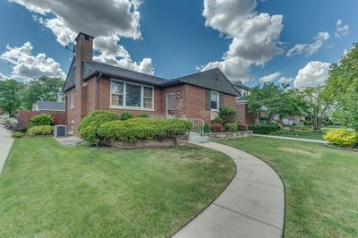 1558 NEWCASTLE AVE, Westchester, IL 60154 - Photo 2