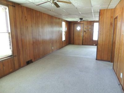 519 SHOOTING PARK RD, Peru, IL 61354 - Photo 2