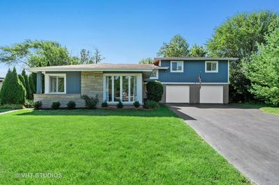 205 GREENFIELD DR, GLENVIEW, IL 60025 - Photo 1