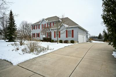 568 S BREWSTER AVE, Lombard, IL 60148 - Photo 2