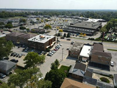 8100 W 95TH ST # 2N, Hickory Hills, IL 60457 - Photo 2