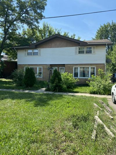 422 E PINE AVE, Bensenville, IL 60106 - Photo 1