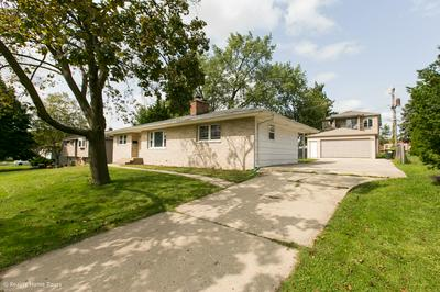 36 CLARIA DR, Roselle, IL 60172 - Photo 2