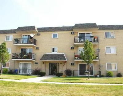 7829 RUTHERFORD AVE APT 2SE, Burbank, IL 60459 - Photo 1