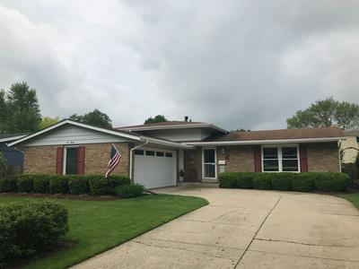 620 S 7TH ST, West Dundee, IL 60118 - Photo 1